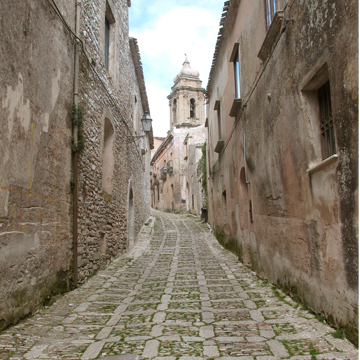 erice street 01 Traveling In Trapani & Pesto