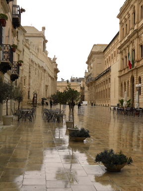 piazza sm Even in the Rain